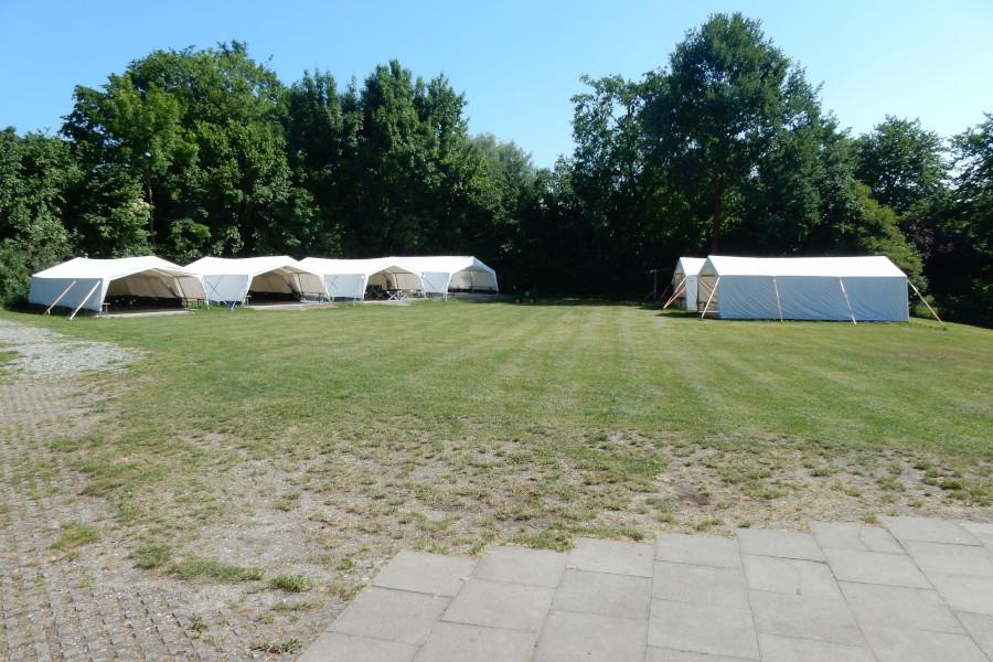 Zelte auf dem Campingplatz